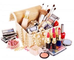 Wie lange können Sie Kosmetikproduke und Make-up-Werkzeuge verwenden